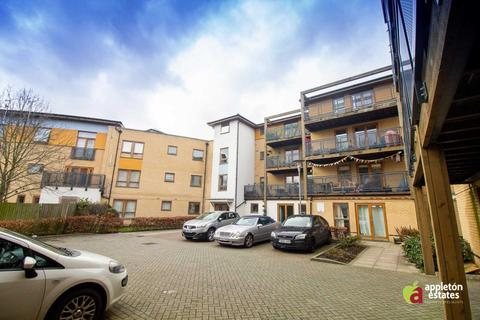 2 bedroom flat for sale - Callender Court, Harry Close, Thornton Heath