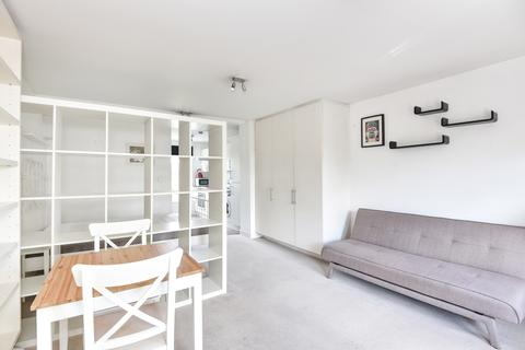 Studio for sale - Penge Road London SE25