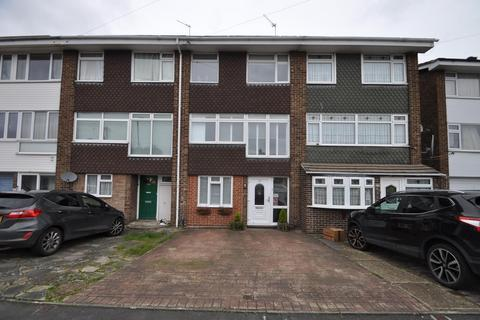 4 bedroom townhouse for sale - Cowdray Way, Hornchurch, Essex, RM12