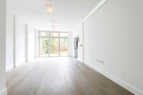 3 bedroom maisonette for sale - Great North Road, Highgate, London, N6