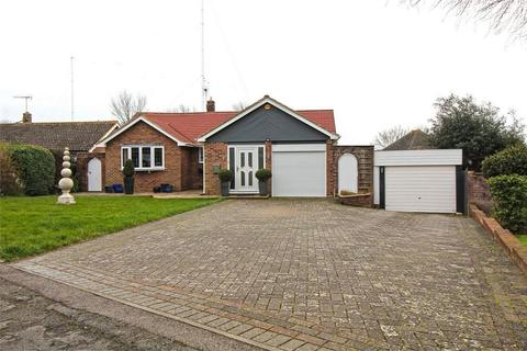 3 bedroom detached bungalow for sale - Crofton Park Avenue, Bexhill on Sea, East Sussex