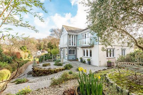 4 bedroom detached house for sale - MYLOR