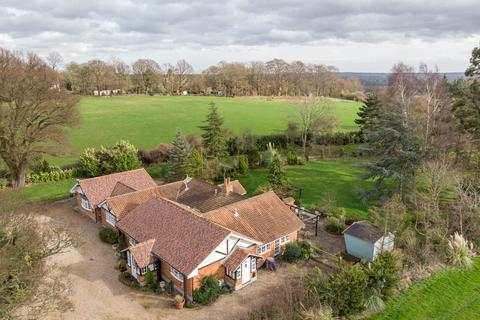 4 bedroom cottage for sale - Downham, Billericay