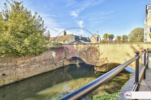2 bedroom flat for sale - Waterside Court, St Neots