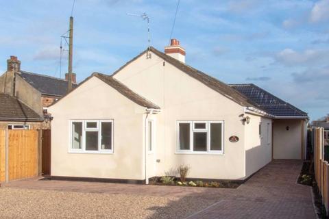 3 bedroom detached bungalow to rent - Church Street, Ryhall