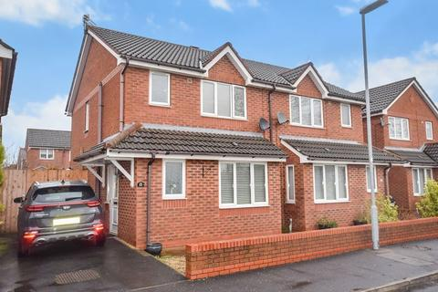 3 bedroom semi-detached house for sale - Naylor Road, Widnes