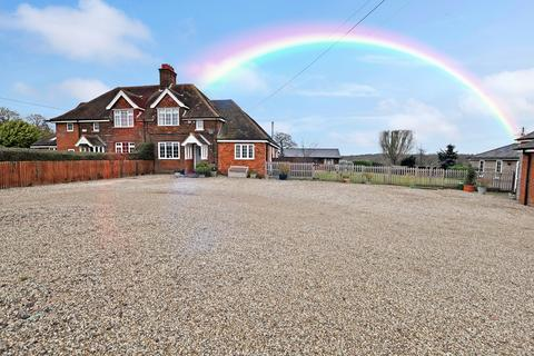 3 bedroom semi-detached house for sale - Private Road, Chelmsford, CM2