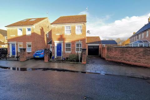 3 bedroom detached house for sale - Somers Lees, Aylesbury