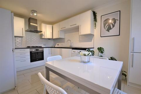 4 bedroom terraced house for sale - Bolbury Crescent, Agecroft Hall, Swinton, Manchester