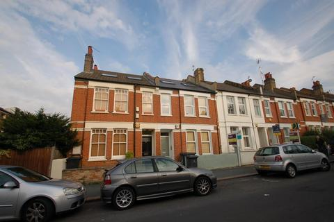 2 bedroom flat to rent - Kingswood Road, SW2