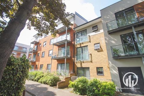 2 bedroom flat to rent - Desvignes Drive, London
