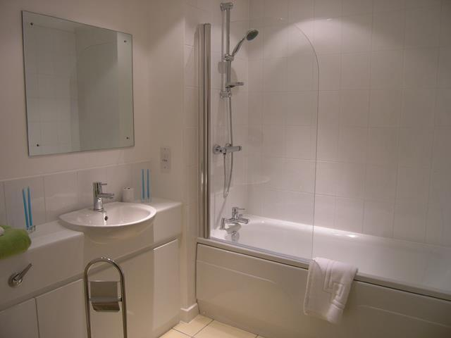 The Chimes 16 Bathroom.jpg