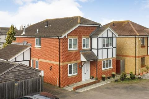 4 bedroom detached house for sale - The Courtyard, Southminster