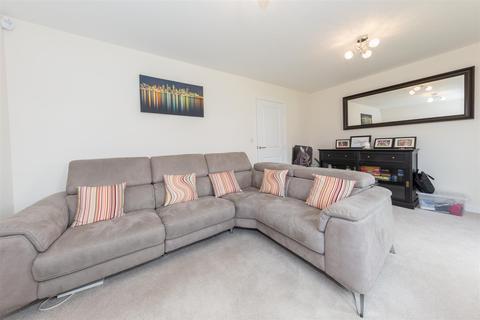 2 bedroom semi-detached house for sale - Swallow Mead, Caddington, Bedfordshire