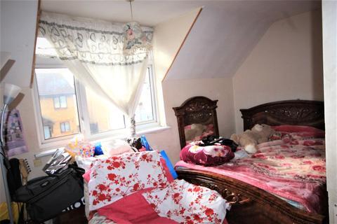 3 bedroom terraced house for sale - Causeyware Road, London, N9