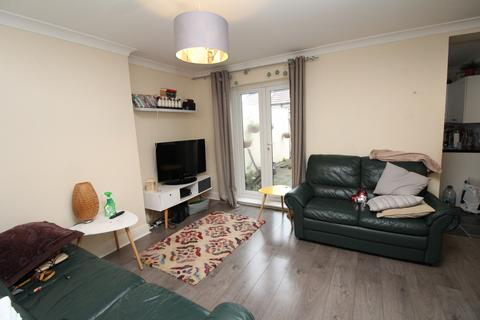 2 bedroom maisonette to rent - Muirkirk Road, Catford, SE6