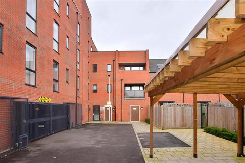 1 bedroom flat for sale - Marine Crescent, Ilford, Essex