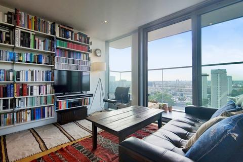2 bedroom apartment for sale - Landmark East 24 Marsh Wall London