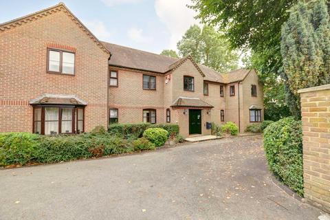 2 bedroom apartment to rent - Maidenhead Road, Cookham