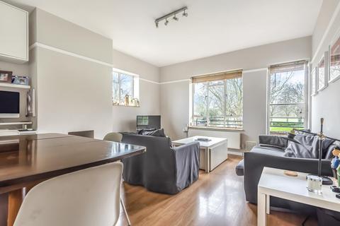 2 bedroom flat for sale - Bolingbroke Grove, Battersea