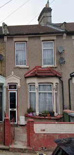 2 bedroom flat to rent - South Esk Road E7