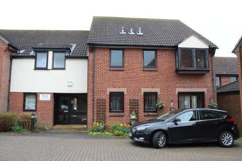 2 bedroom flat to rent - Abigail Court