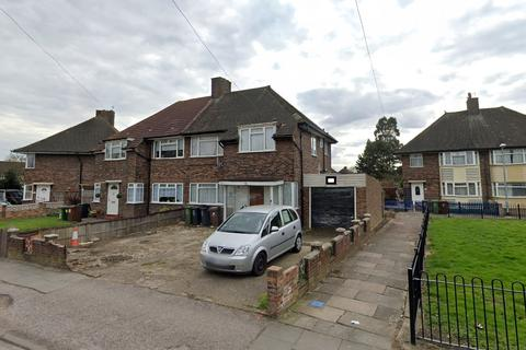 3 bedroom house to rent - Gale Street, Becontree, RM9