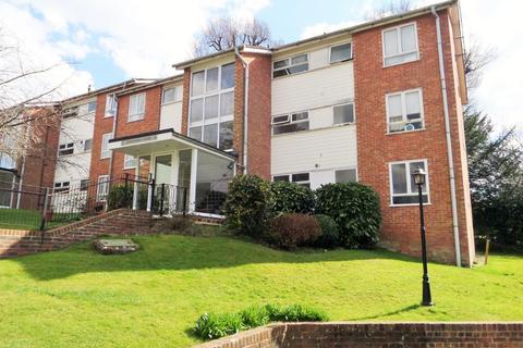 3 bedroom flat to rent - Winnals Park, , Haywards Heath, RH16 1EZ