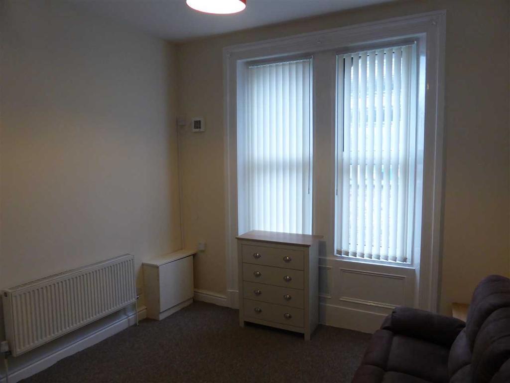 Living Room (2nd image)