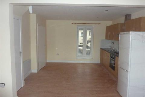 2 bedroom flat to rent - Empire Parade, London