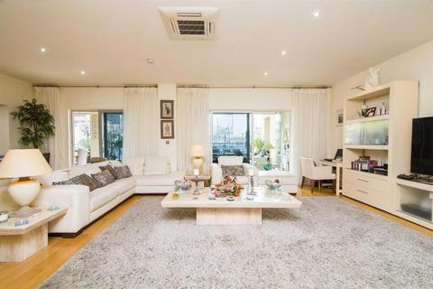3 bedroom apartment - The Sails, Gibraltar