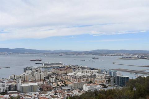 5 bedroom house - Upper Town, Gibraltar