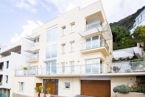 4 bedroom house - South District, Gibraltar