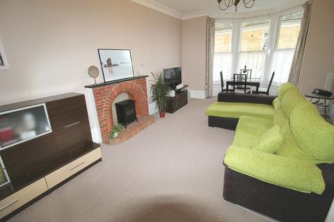 2 bedroom apartment to rent - Market Place, Brackley