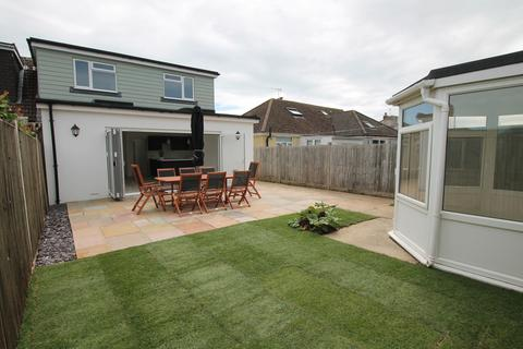 4 bedroom chalet for sale - Fairfield Close, Shoreham-by-Sea BN43 6BH