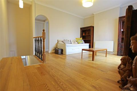 2 bedroom apartment to rent - Colless Road, London, N15