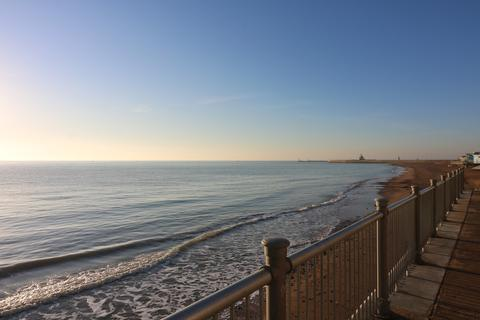 3 bedroom penthouse to rent - Granville Marina, Ramsgate