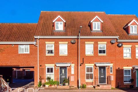 3 bedroom terraced house for sale - Pochard Street, Costessey, Norwich