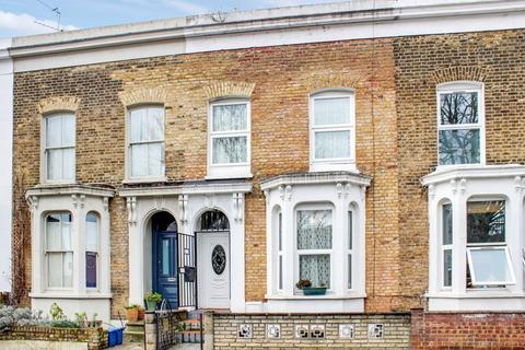4 bedroom terraced house for sale - Clifden Road, Hackney
