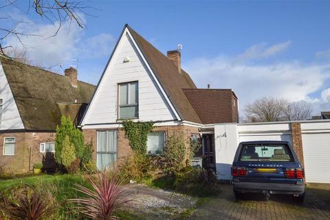 3 bedroom detached house for sale - Poulton Road, CH63