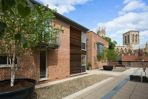 2 bedroom apartment for sale - Stonegate Court , York, YO1