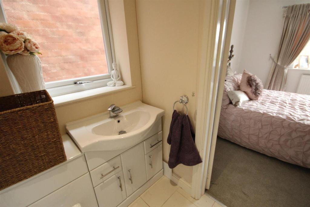 En Suite (Bedroom Two)
