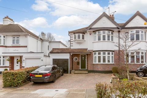 3 bedroom semi-detached house for sale - Roslyn Gardens, Gidea Park