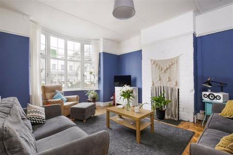 3 bedroom flat for sale - Cheltenham Road, Montpelier