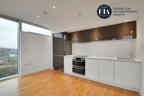 2 bedroom apartment to rent - Edmunds House, Colonial Drive, Chiswick