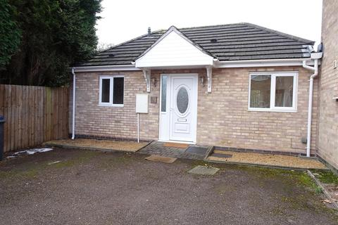 1 bedroom bungalow to rent - Whitefarm Road, Four Oaks, Sutton Coldfield, B74 4LQ
