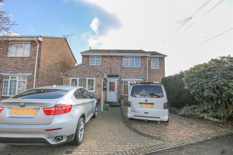 4 bedroom detached house for sale - Gogh Road, Aylesbury