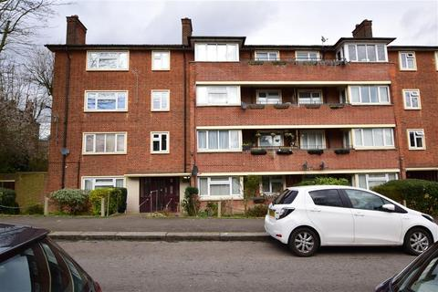1 bedroom flat for sale - Higham Road, Woodford Green, Essex