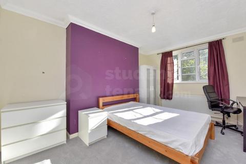4 bedroom house share to rent - Glenbuck Road