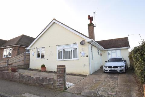 3 bedroom bungalow for sale - Chichester Close, BEXHILL-ON-SEA, East Sussex, TN39